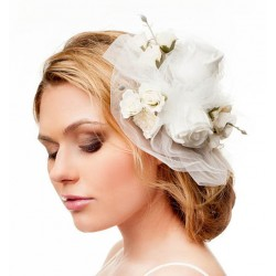Aksesuaras plaukams dekoruotas gėlytėmis