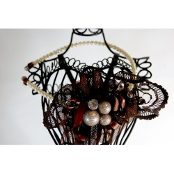 Rankų darbo lankelis dekoruotas perliukais