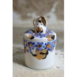 Porcelianinė rankų darbo dėžutė