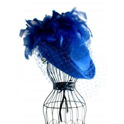 Skrybėlaitė dekoruota plunksnomis